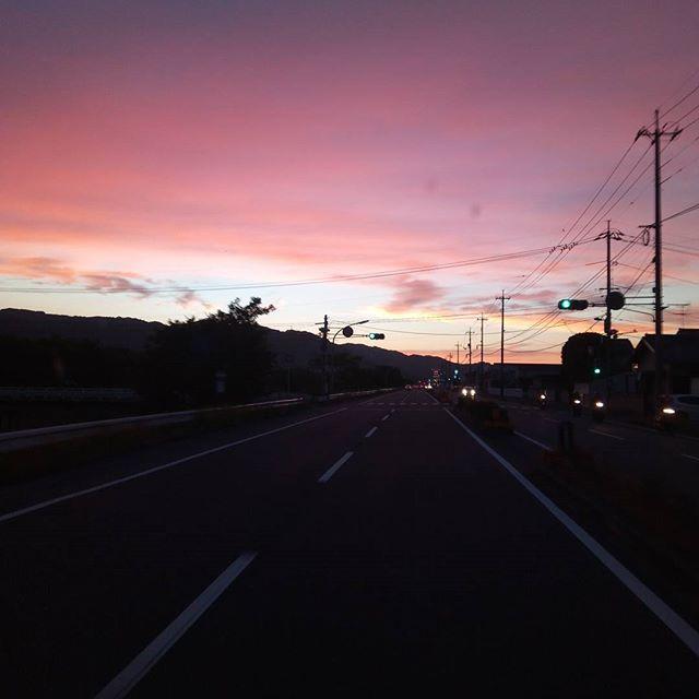 日の暮が綺麗だったのでパチリ#夕暮れ #山陽町