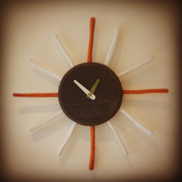 #時計 #木製 #手作り #彫刻 #オブジェ#sun #wall #clocks #wood #handmade #sculputure #object #oak #red